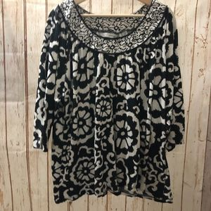 Soft By Avenue Black and White Floral Blouse